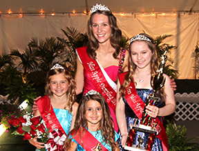 Pageant Contestants Vote
